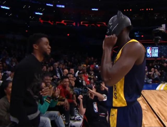 NBA全明星周末:米切尔致敬文斯·卡特,勇夺扣篮大赛冠军