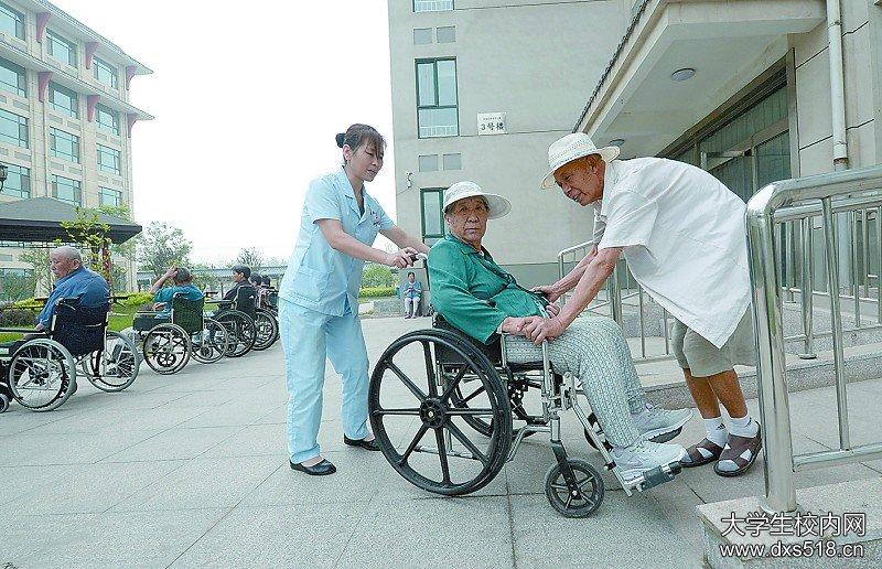 2018年上海退休金补发时间安排,退休金补发什么时候开始